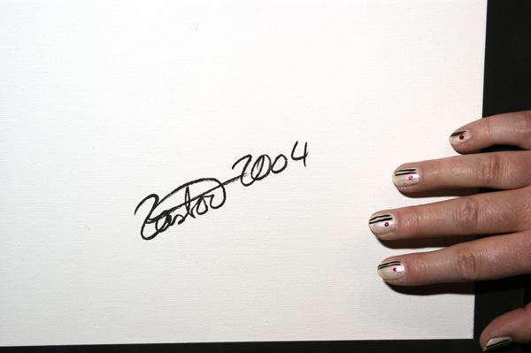 """Bettina Zastrow mit Bild """"Zitat"""", Ausstellung im Rathaus Unterföhring, März 2010. Foto: Peter Schäfermeier"""