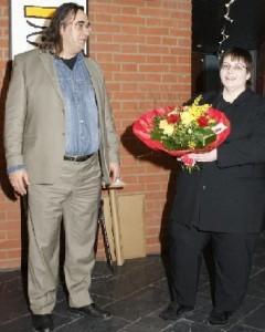 Wolfgang Ramadan und Bettina Zastrow bei der Ausstellungseröffnung in Unterföhring